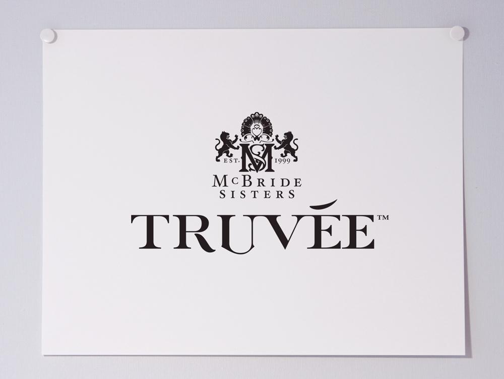 TruveeWines_Logo-WhiteCyan_LOGO-PAGE_WEBID26_1000